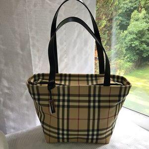 Burberry Nova Check purse!